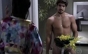 Caio Castro nu em &quot_Amor &agrave_ Vida&quot_
