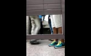 Pega&ccedil_&atilde_o banheiro gay
