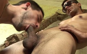 Outdoor barebacking twink sucking cock