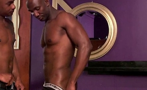 Ebony top doggystyling beefy bottoms bum