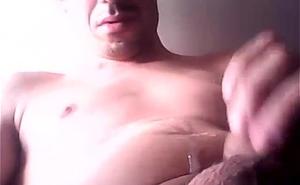 Cristiano Quinzeiro Araujo gozando