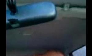 Gostosos fodendo no carro