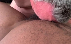 Daddy sucking a accurate cock