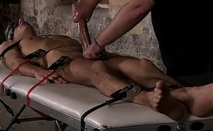 Perfect abs huk Luke Desmond loves hard servitude meets